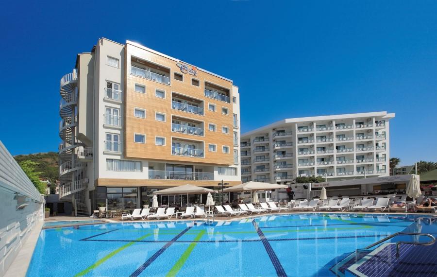Cettia Beach Resort (+16)